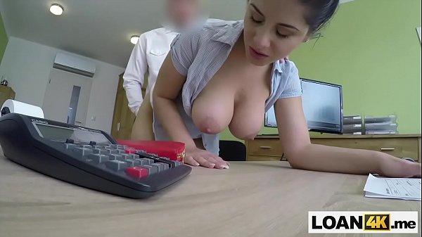 Везучий чувачок устроился на томный секс с 2-мя красивыми девчонками